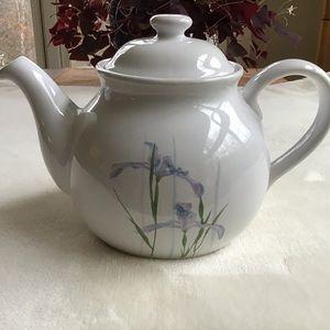 Corelle Coordinates Stoneware Shadow Iris Teapot